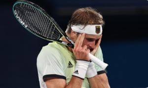 'IZVINI ZBOG OVOGA': Emotivne scene 'na mreži', uplakani Zverev se izvinio Novaku nakon meča! (FOTO)