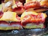 Ideja za još jednu sezonsku poslasticu: Najsočniji kolač sa šljivama VIDEO