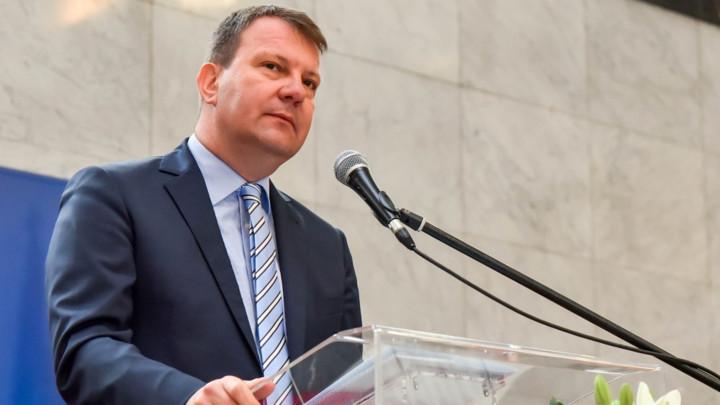 Igor Mirović oštro osudio pretnje i uvrede upućene deci predsednika Republike Srbije
