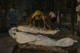 Indija tone u propast: 250.000 mrtvih; Stručnjaci: Realno ih je 10 puta više