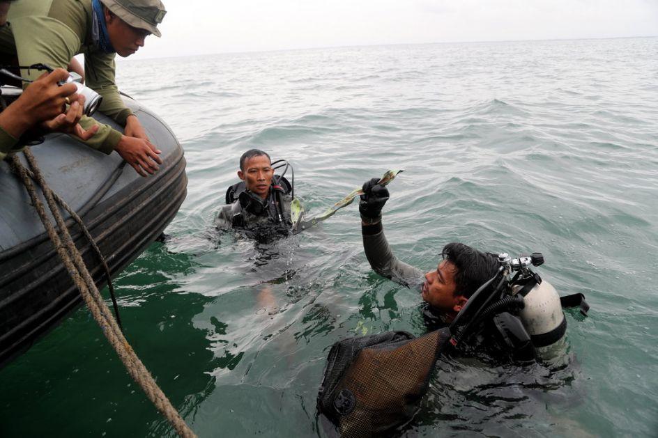 Indonezija: Ronioci pronašli delove diktafona srušenog Boinga