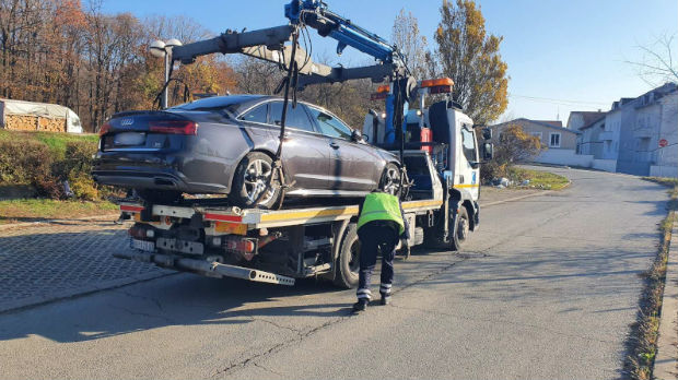 Inspektori u ulozi prikrivenog putnika – oduzeto nelegalno taksi vozilo