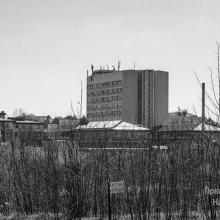 Institut za javno zdravlje, 13. 7. 2020: u KC na lecenju 110 pacijenata (na respiratoru 10), preminulih 6; u kucnoj izolaciji 942 Kragujevcana; nema podataka o uradjenim uzorcima