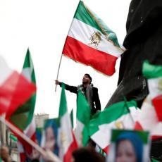 Iran obeležava 40. godina ISLAMSKE REVULUCIJE: Građani na ulicama Teherana, Rohani POSLAO PORUKU svetu