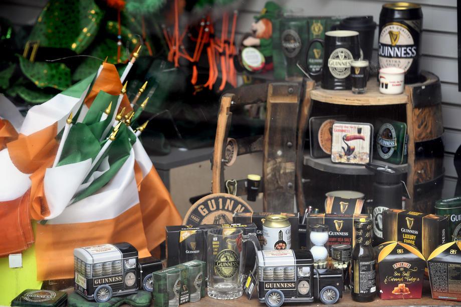 Irska odložila otvaranje barova zbog porasta broja obolelih