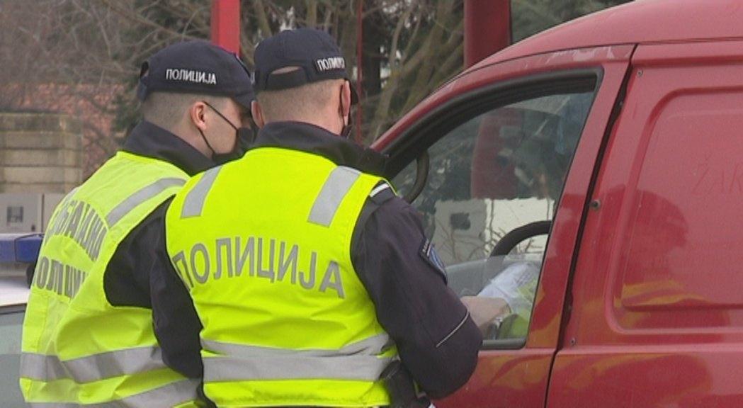 Isključeni iz saobraćaja zbog vožnje bez dozvole i narkotika