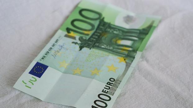 Isplata minimalca preduzetnicima 4. juna, u ponedeljak isplata 100 evra za 1.350.000 građana