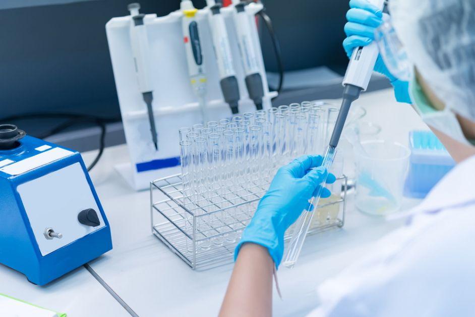 Istražuje se delovanje kombinacije prve i druge doze covid 19 vakcine različitih proizvođača. Prvi rezultati neočekivani
