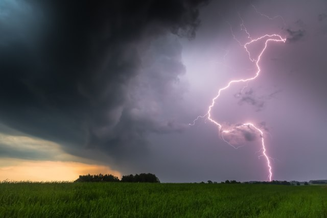 Istru zadesilo nevreme; meštani snimili tornado VIDEO