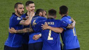 Italija u osmini finala Evropskog prvenstva, Lokateli dvostruki strelac
