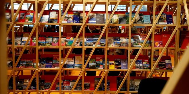 Iz Austrije u Beograd stiglo 30.000 knjiga, potrebno dva kilometra polica