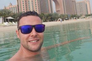 Iz pristojnosti završio u zatvoru u Dubaiju: Morao je drugog muškarca da dodirne...