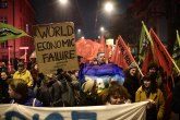 Iza kulisa Davosa: Protesti, suzavci, vodeni topovi i hapšenja FOTO