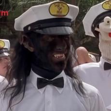 Iza ove maske krije se jedan od napoznatijih i NAJLEPŠIH glumaca današnjice - prepoznajete li ga? (VIDEO)