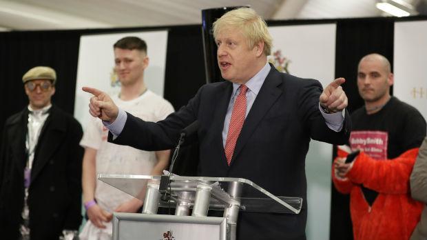 Izbori u Velikoj Britaniji: Ubedljiva pobeda Džonsona, Korbin više neće voditi laburiste