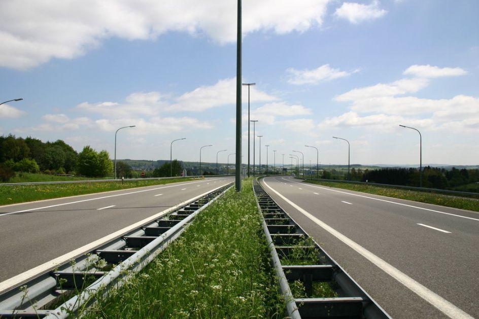 Izgradnja auto - puta Beograd - Zrenjanin - Novi Sad koštaće 600 miliona evra, sa Kinezima potpisan memorandum