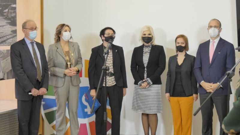 Izložba povodom Dana žena u Beogradu: Kada je svet stao - one nisu
