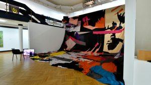 Izložbu nagrađenih radova sa ULUS-ovih izložbi 2020. godine u Galeriji ULUS