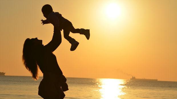 Iznajmljene porodilje rodile etičke dileme
