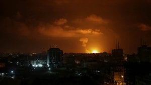Izraelski avioni napali skoro 100 meta u Gazi posle raketiranja Tel Aviva