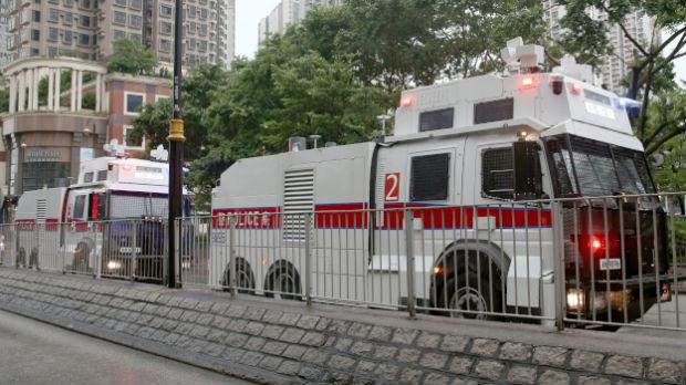 Izvinjenje vlasti Hongkonga zbog upotrebe vodenih topova