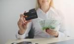 Izvršitelji bez milosti: VREBAJU i 100 evra poklona od države