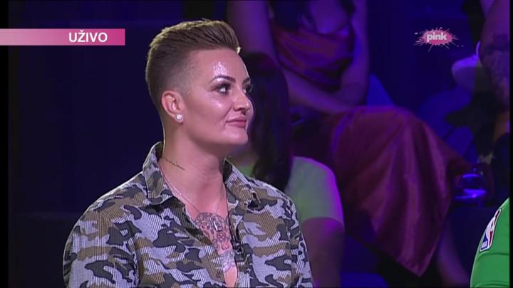 JA SAM BISEKSUALAC Bivša reprezentativka stigla u Zadrugu i priznala ISTINU O SEBI: Evo kako su reagovali zadrugari u studiju (VIDEO)
