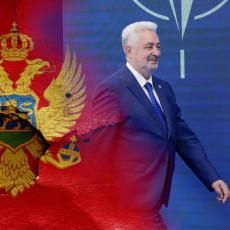 JEDNO MIŠLJENJE IMA UJUTRO, A POPODNE DRUGO Krivokapić zaratio sa svima - ponovo vređa poslanike i izbegava da odgovori