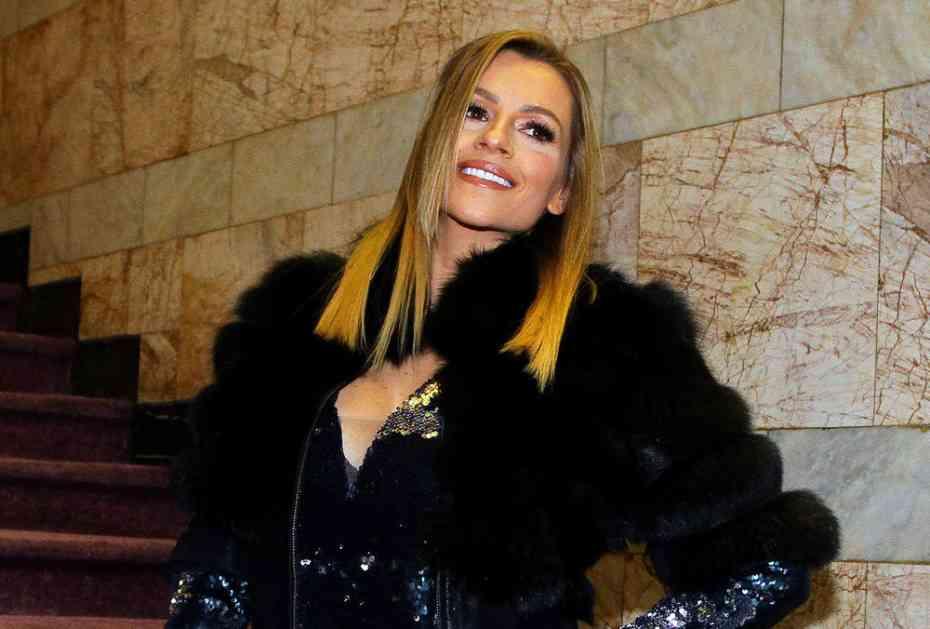 JELENA KOSTOV OBRADOVALA SINA: Prvi rođendan slavili na Kopaoniku