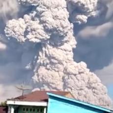 JOŠ JEDAN OPASAN VULKAN PRORADIO: Stanovnici Indonezije u panici, bio neaktivan čitava četiri veka (VIDEO)
