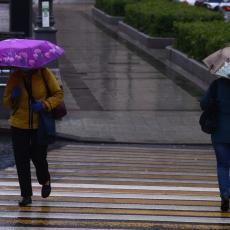 JOŠ JEDNO TMURNO I KIŠNO JUTRO U SRBIJI: Kišobrani obavezni, poznato kada nas očekuje razvedravanje