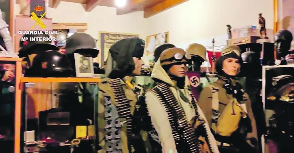 JURILI KRIJUMČARE NAŠLI MUZEJ TREĆEG RAJHA: Španska policija šokirana kada je provalila u stan nemačkog državljanina!