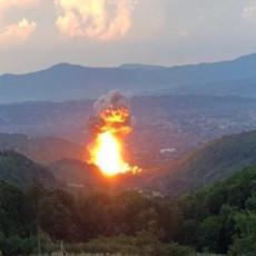 JUTRO POSLE EKSPLOZIJE U SLOBODI: Ugašen požar, evakuisano oko tridesetak porodica - strah od novih detonacija (FOTO/VIDEO)