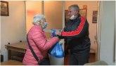 Jagodinsko Udruženje penzionera uručilo 155 prehrambenih paketa pomoći VIDEO