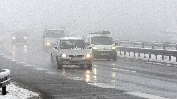 Jak mraz u Srbiji, čiste se putevi ka zaseocima