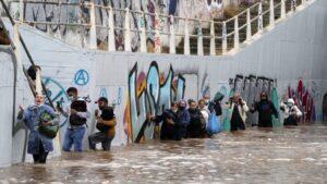 Jaka oluja, poplave pogodile Atinu i ostrvo Eviju (FOTO)