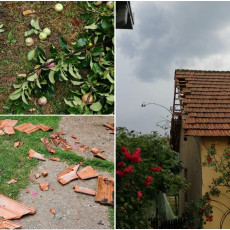 Jako nevreme pogodilo Šumadiju, pala ogromna količina kiše: Vetar lomio grane i skidao crepove sa kuća (FOTO)