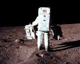 Japanski modni tajkun ide na Mesec