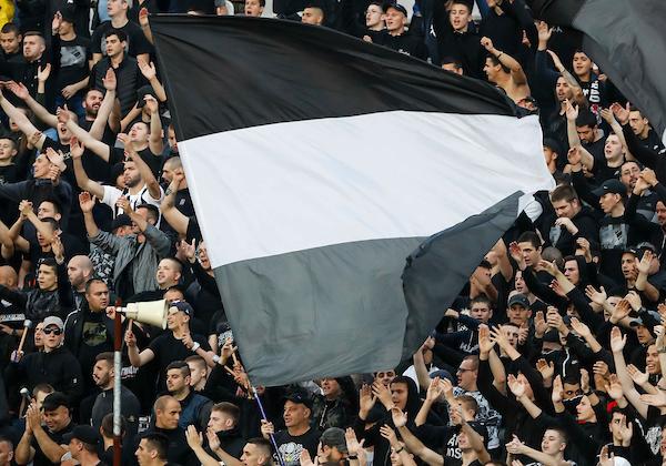 Jedva smo našli pozitivan komentar na Partizanovu igru... (TVITOVI)