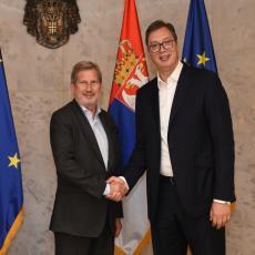 Johanes Han u dvodnevnoj poseti Srbiji: Sa predsednikom Vučićem o kosovskom problemu i evropskim integracijama (FOTO)