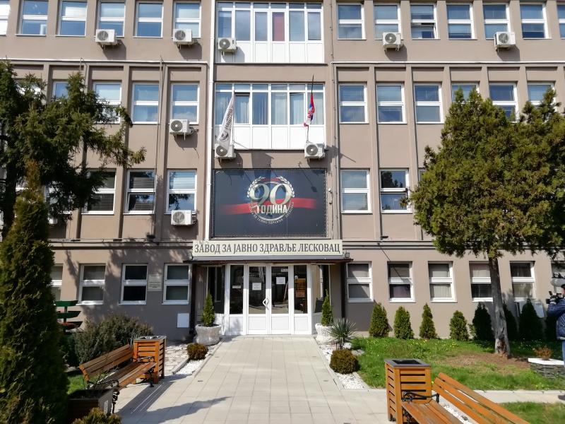 Još 42 osobe zaražene kovidom u Jablaničkom okrugu