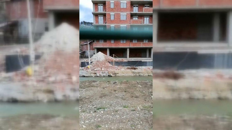 Još jedna deponija građevinskog materijala na obali Vidrenjaka u užem centru grada