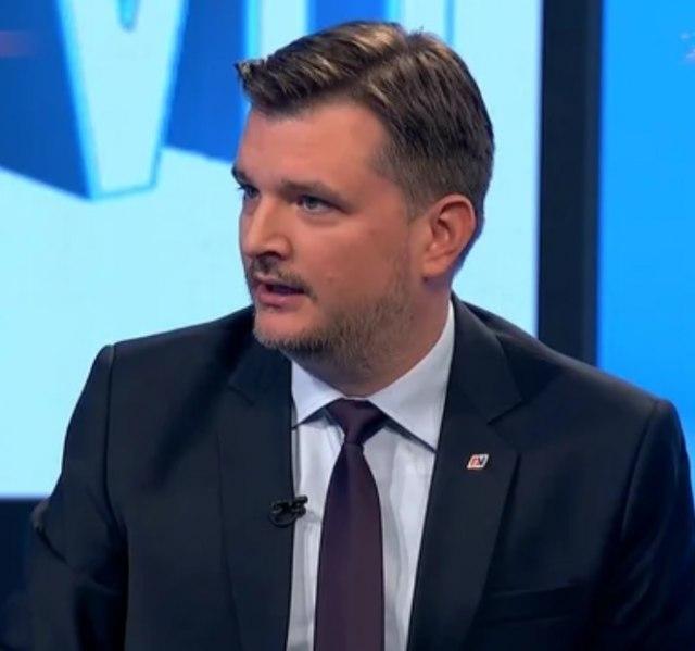 Jovanov: Kome karikatura sa cevi uperenom u predsednika može da bude duhovita?
