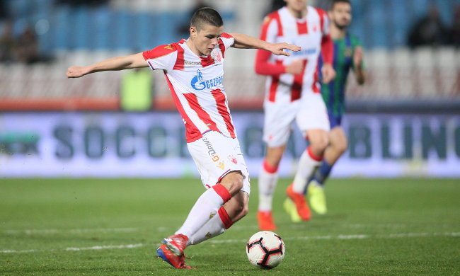 Joveljić nastavio teror u Ajntrahtu, postigao još dva komada! (video)