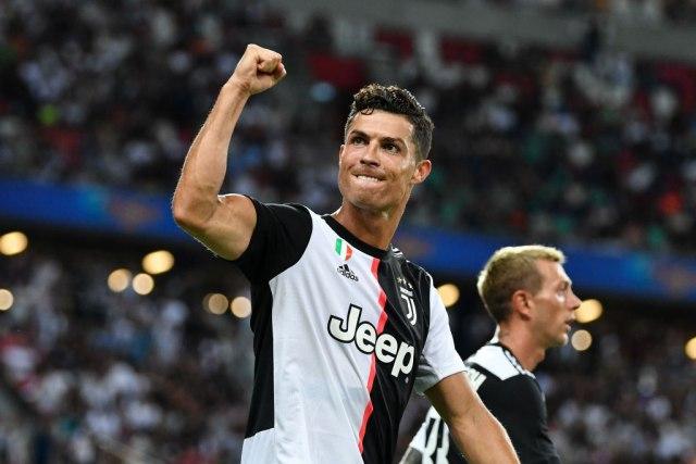 Juventus želi da se reši Ronalda, ponudili su ga Barseloni