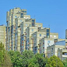 KAKO JE OVO MOGUĆE? U Beogradu PARADOKS - ista ulica, s jedne strane stan od 1,5 miliona, s druge kvadrat 1.200 evra! U ČEMU JE CAKA?