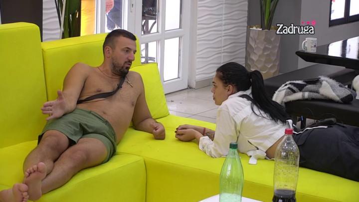 KAKO TE NIJE SRAMOTA? Vesko RASKRINKAO Tomovića, pa priznao Mini da se Vladimir LJUBIO sa Mionom! Ona PUKLA od ljubomore! (VIDEO)