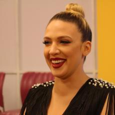 KAKVA GU*A! Milica Todorović posle KORONE pobegla na odmor, pa se SKINULA NA JAHTI, komentari pljušte