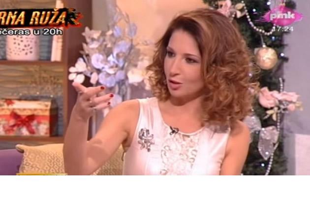 KAKVA PROMENA Sanja Marinkovic BEZ SMINKE a tek da vidite njenu novu frizuru (FOTO)