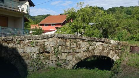 KAMENI STARAC ODOLEVA ZUBU VREMENA Rimski most PREŽIVEO STOLEĆA različitih gospodara i vojski